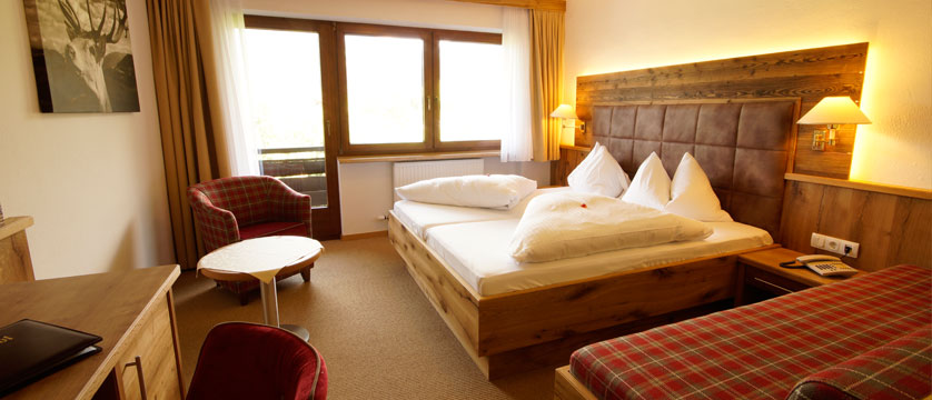 Hotel Tyrol, Söll, Austria - Twin room.jpg
